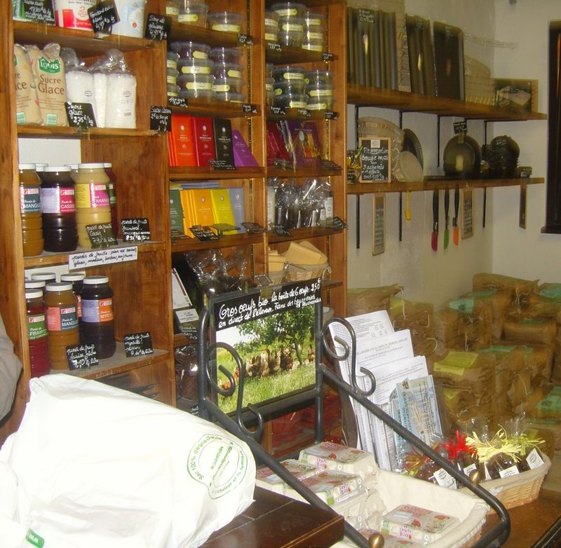 Moulin de versailles intérieur de la boutique 1