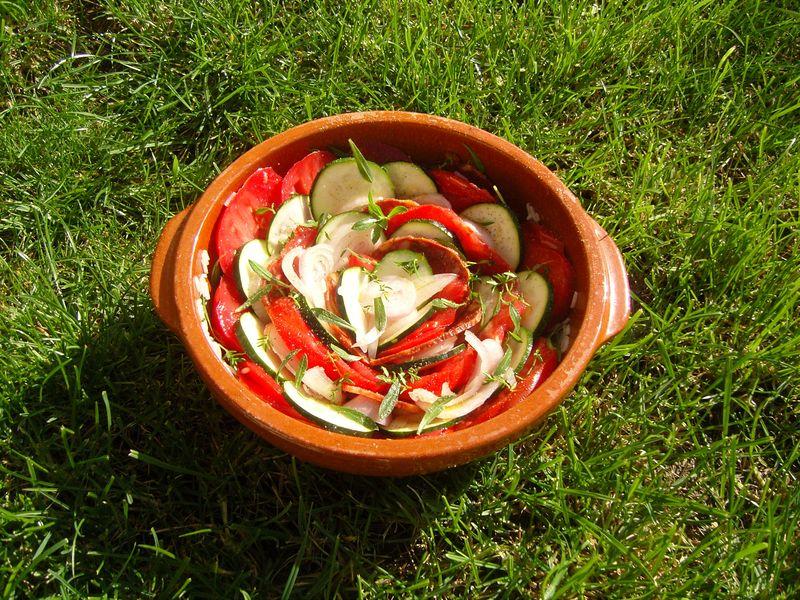 Tian tomates courgettes chorizo à cru