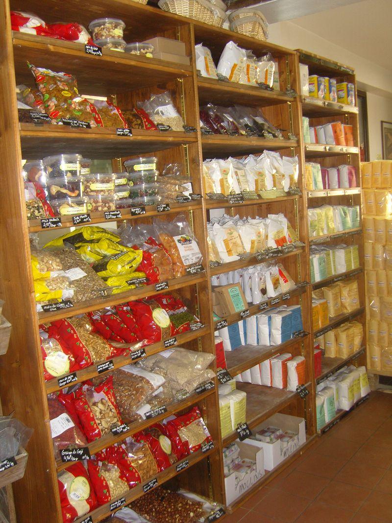 Moulin de versailles intérieur de la boutique 2