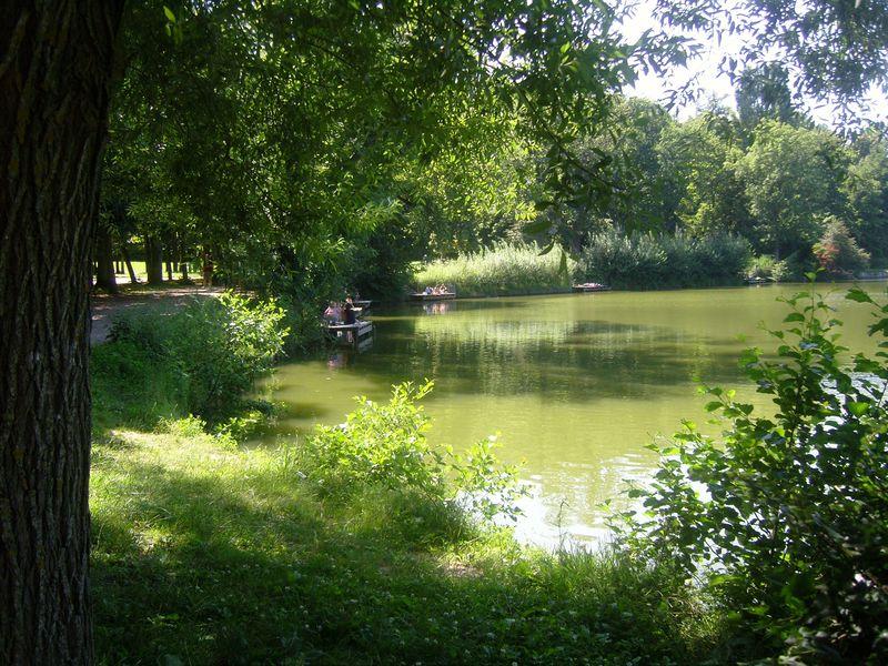 Les étangs de Corot Etang 2 avec famille pique nique