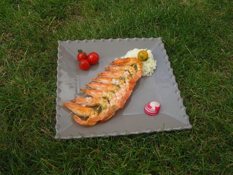 Brochettes de Crevettes et Tomates Cerises poêlées au Persil du Jardin