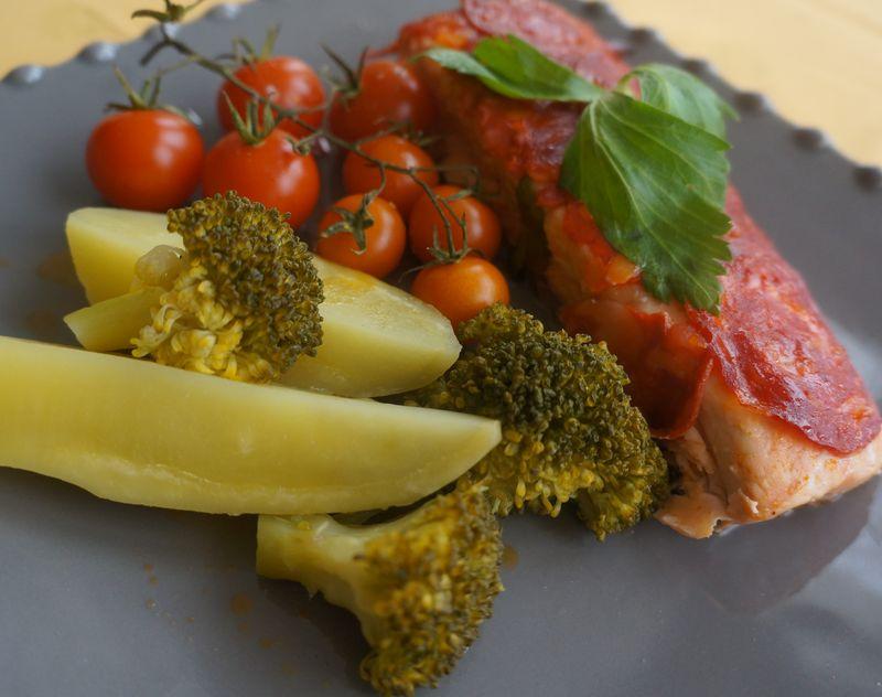 Saumon en Ecailles de Chorizo et ses légumes vapeurs et rôtis