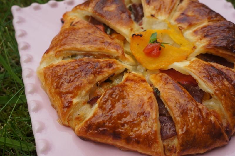 Couronne Feuilletée méditerranéenne ou Pizza Revisitée