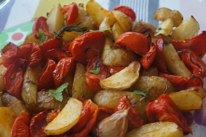 Pommes de Terre et Tomates au four