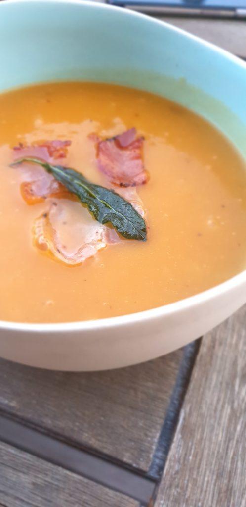 Soupe de Courge Butternut et marrons à la Sauge inspirée par Jamie Oliver